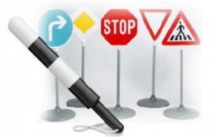 Правила дорожного движения поможет выучить автошкола и инструктор по вождению
