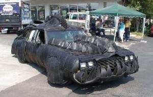 Студенты из США выиграли приз, украсив свой автомобиль вот так. Авто ничуть не уступает авторикша