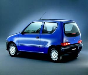 Италянкое крошечное авто Fiat Seicento