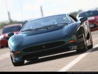 Самые быстрые автомобили в мире- это Jaguar XJ220