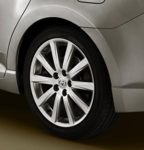 Toyota Avensis со своими технические характеристики, комфорт