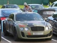 Балотелли перекрасил свой Bentley в цвета армейского камуфляжа