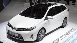 Toyota Auris Touring Sports в Англии назначили свою цену