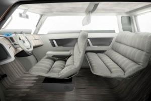 Компания Тойота представила новый городской электромобиль